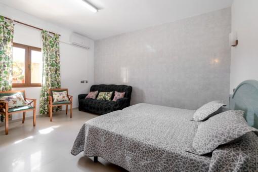 Dormitorio con entrada separada