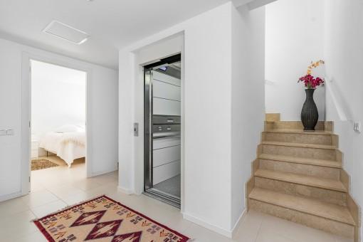 La casa ofrece un ascensor
