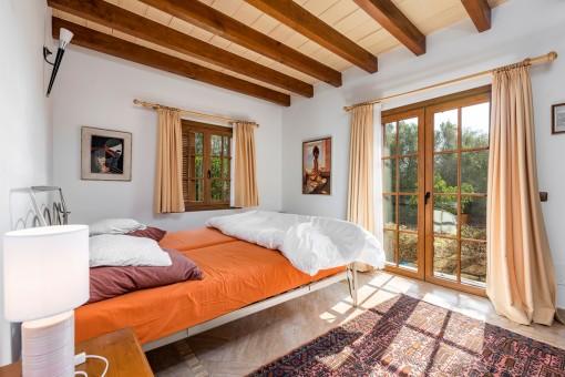 Dormitorio con acceso directo a la terraza
