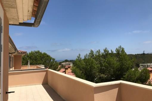 Obere Terrasse mit Meerblick