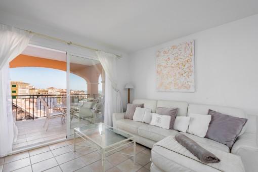 Área de estar con acces al balcón