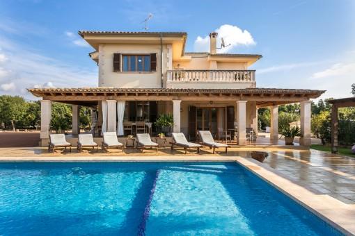 Preciosa finca en una zona tranquila cerca de Palma con interesantes posibilidades de ingresos