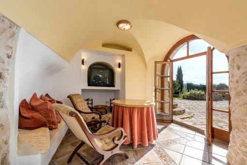 Precioso espacio para sentarse con accesso a la terraza