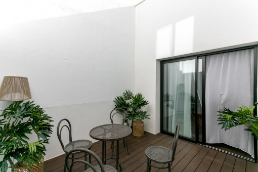 Preciosa terraza con comedor