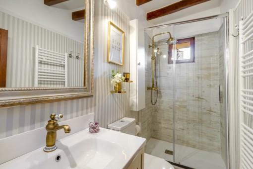 Baño de alta calidad con calefacción