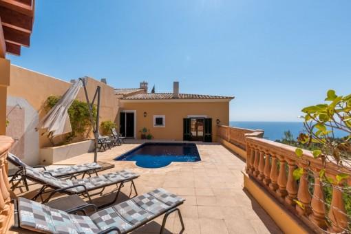 Preciosa casa con piscina privada y maravillosas vistas al mar en Costa d'en Blanes