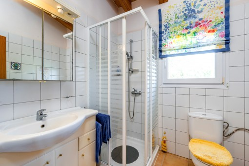Uno de 4 baños en suite