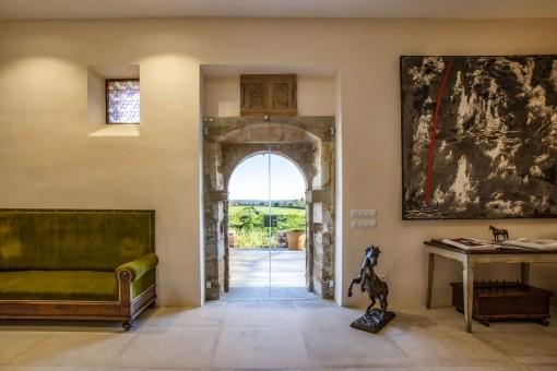 Impresionante finca de piedra natural con elementos rústicos y modernos en tranquila ubicación en Campos