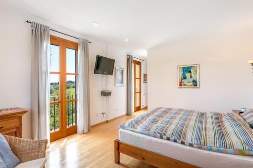 Dormitorio principal con acceso al vestidor