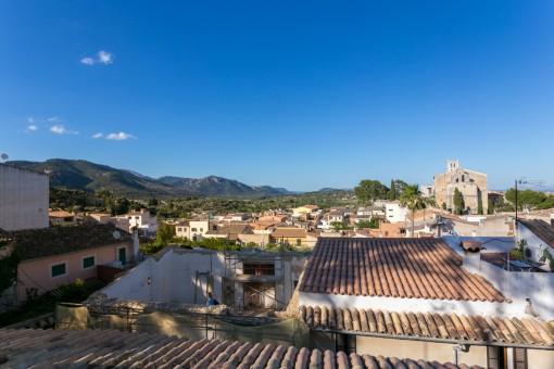 Magníficas vistas a la montaña y al pueblo
