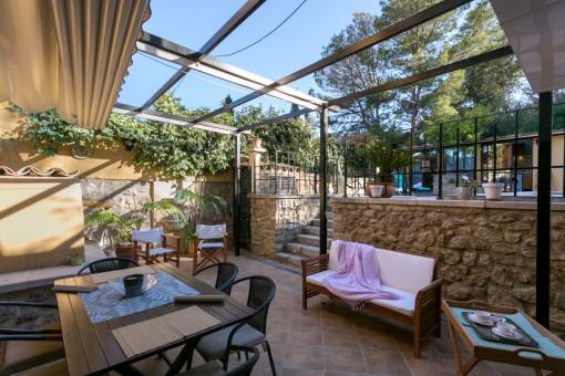 Terraza con acceso a l'área de piscina