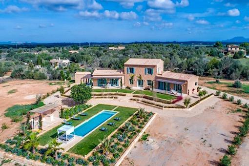 Impresionante casa de campo en construcción en la pintoresca campiña de Cas Concos