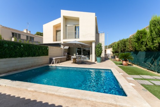 Espacioso adosado moderno en tranquila y prestigiosa zona residencial, Puig de Ros