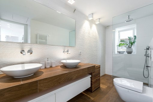 Luminoso baño