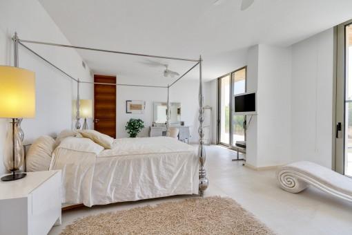 Espascioso dormitorio principal
