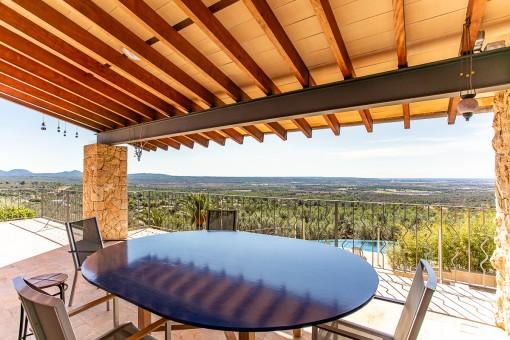 Terraza cubierta con vistas fantásticas