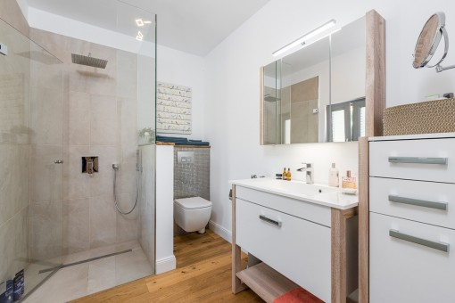 Uno de 3 baños modernos