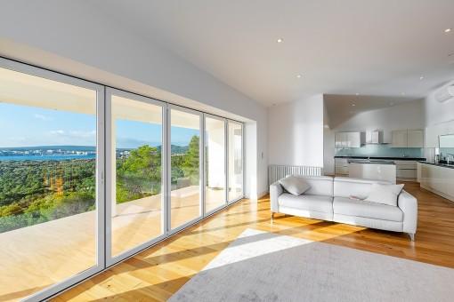 Chalet reformado con vistas al mar y proyecto de ampliación a 5 dormitorios en Costa den Blanes