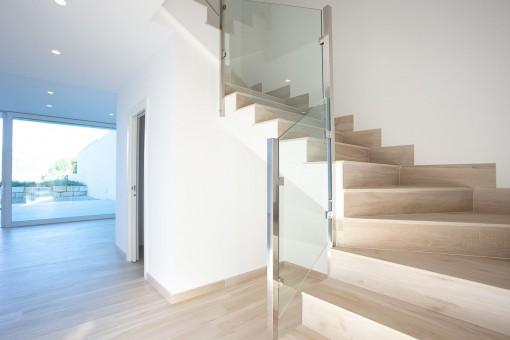 Escaleras que dan acceso a la planta superior