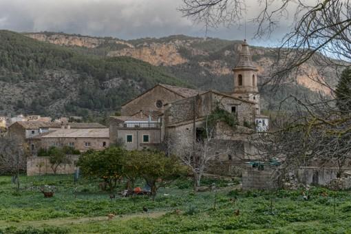 El pueblo Puigpunyent