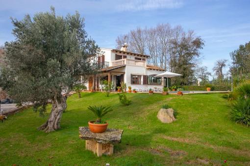 Preciosa finca, recientemente modernizada con 4 dormitorios, piscina y licencia vacacional para 6 plazas cerca de Artà