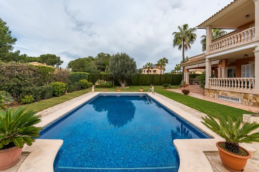 Mediteránea área de piscina