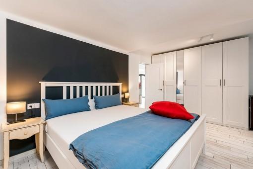 Segundo dormitorio con baño en suite
