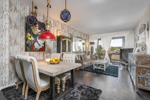 Apartamento moderno en estilo marítimo con espectaculares vistas laterales al mar en Colonia de Sant Jordi