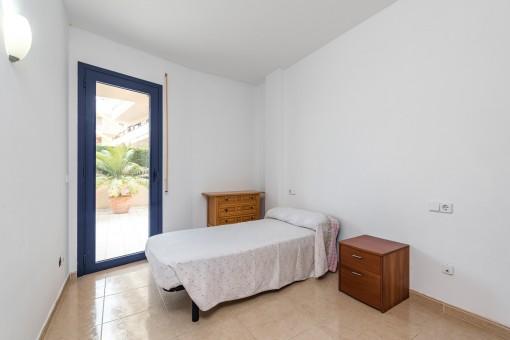 El piso espacioso tiene en total 3 dormitorios