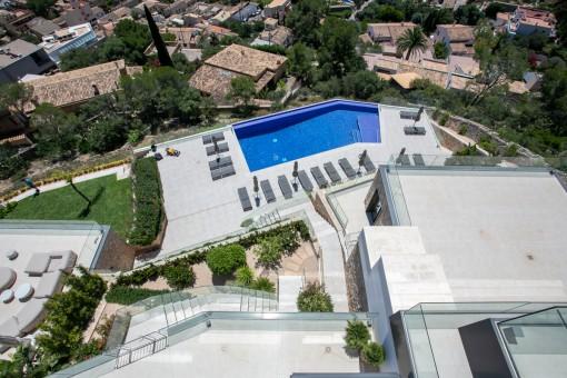 Vista de la piscina comunitaria
