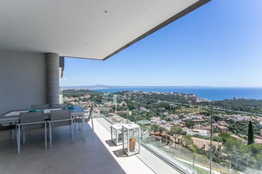 Terraza con magníficas vistas panorámicas al mar