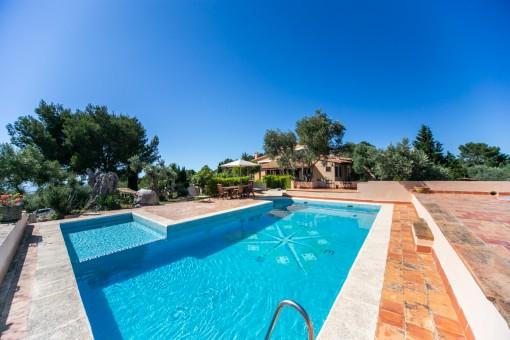Villa con maravillosas vistas y 2 casas de invitados en Valldemosa