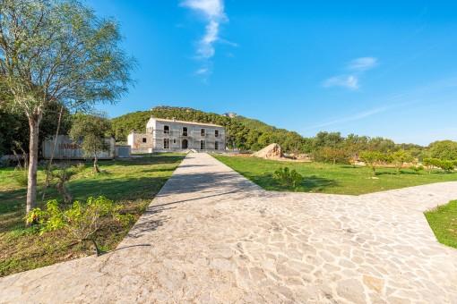 Espectacular finca en un terreno único cerca de Portocolom con vistas al Puig San Salvador