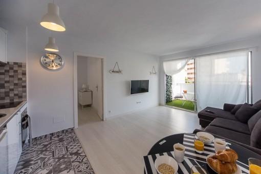 Pequeño y acogedor, apartamento recientemente reformado con piscina comunitaria en Cala Mayor, Palma