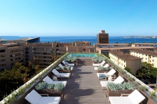 Elegante apartamento de 1,5 dormitorios con piscina comunitaria en la azotea en el centro de Palma