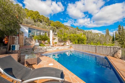 Área de la piscina con encanto