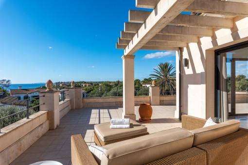 Chalet con vistas al mar, una hermosa piscina y licencia de alquiler en Sa Torre Nova cerca de Santanyí