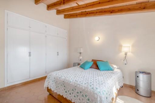 Luminoso dormitorio doble