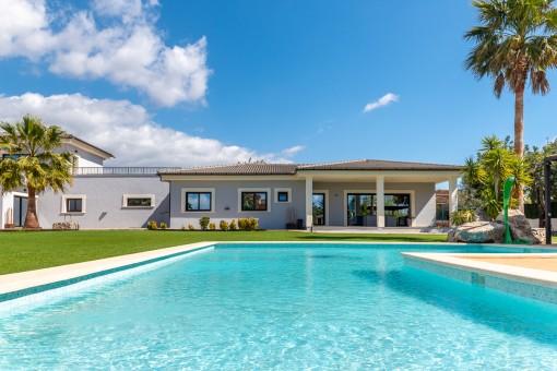 Uno de 3 casas y piscina