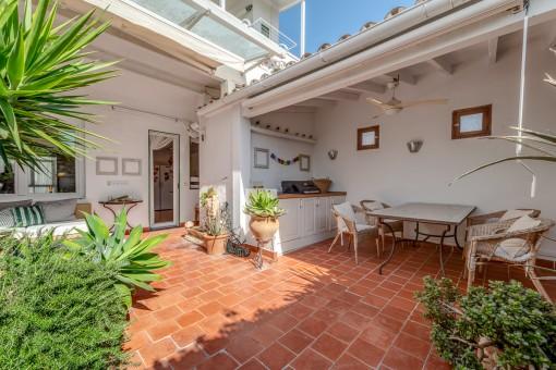 Espacioso apartamento muy luminoso con patio y garaje en El Terreno