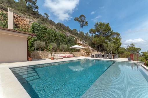 Zona de la piscina y terraza