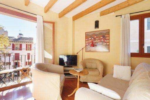 Apartamento amueblado con aire acondicionado y pequeño balcón en el casco antiguo de Palma