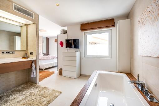 Baño en suite fantástico