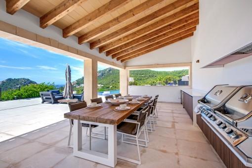 Cocina exterior cubierta