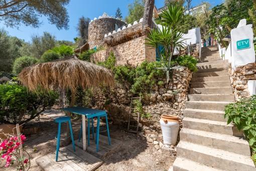 Encantadora casa de playa junto a la bahía de Cala Llombards con licencia de alquiler vacacional