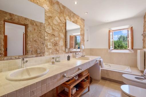 Baño noble en suite